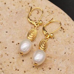 boucles d'oreilles créoles perles d'eau douce plaqué or soleyana création bijoux pierres semi précieuses