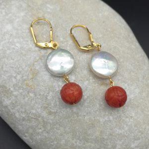 boucles d'oreilles corail bambou et perles d'eau douce soleyana création bijoux pierres semi précieuses